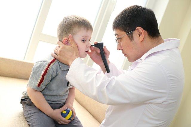 Рана в носу: причины и лечение заживляющими мазями