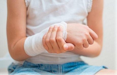 Лечение ран солевым раствором: пропорции, правила применения